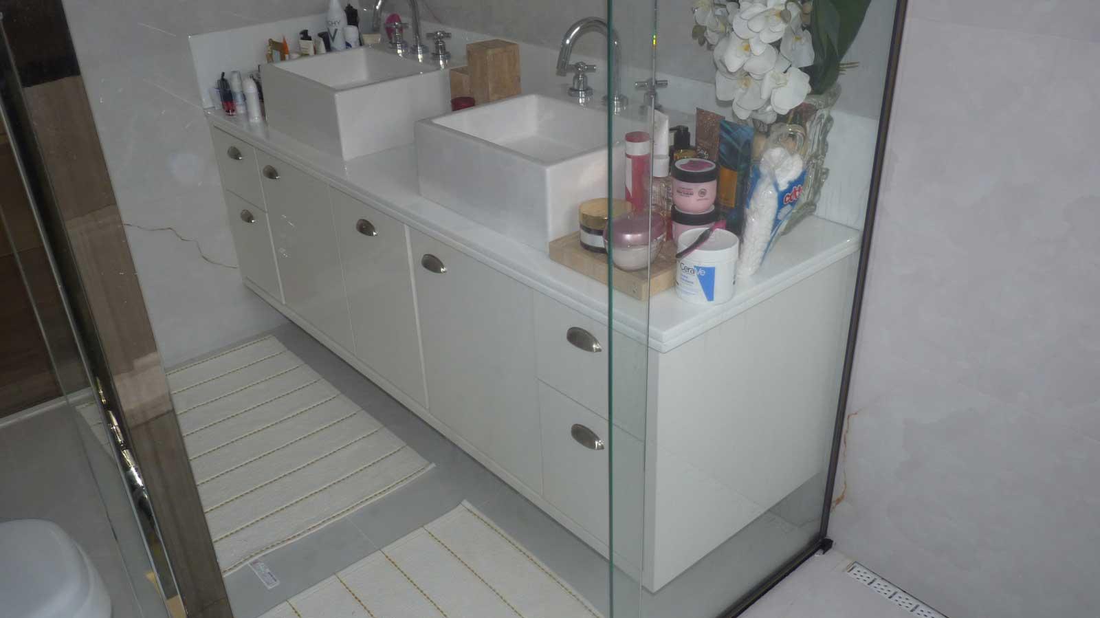 banheiro-suite1-artcloset